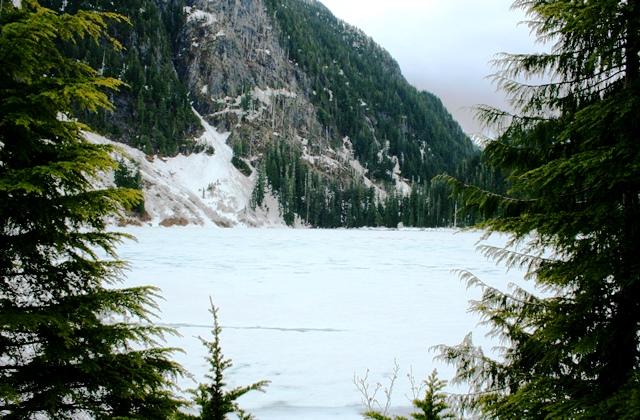 Deeks Lake im Schnee