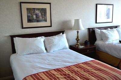 Standardzimmer mit zwei Betten (jeweils 1,40m breit)