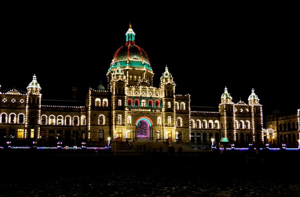 Victoria Parlamentsgebauede zur Weihnachtszeit